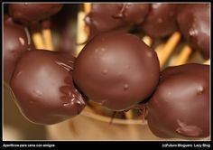 Chupachups de roquefort y chocolate / Rochefort cheese and chocolate cake-pops