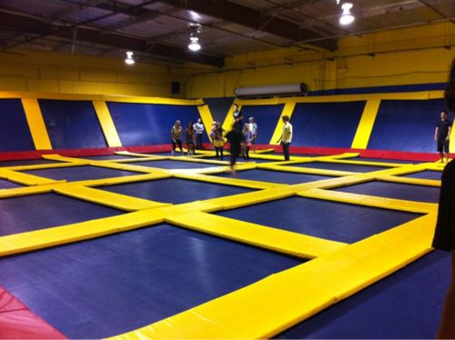 Trampoline room! I need to have a birthday party here or something. <3