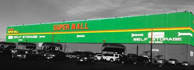 Get everything under one roof in the best shopping mall Los Angeles. Visit one of the best malls and make sure that you get everything you need. Choose from the wide variety of clothes, shoes, jewelry and much more.