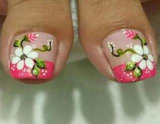 Pedicura con 8 diseños de flores para hacerlo en casa ~ Manoslindas.com