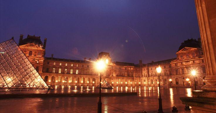 Las pinturas más famosas del Museo Louvre. Uno de los más importantes del mundo, el Museo del Louvre es el museo nacional de Francia y está dedicado al arte anterior al Impresionismo --aproximadamente antes de 1850-- tanto bellas artes como arqueología y artes decorativas. Su inauguración, en 1793, supuso que colecciones hasta entonces privadas, ...