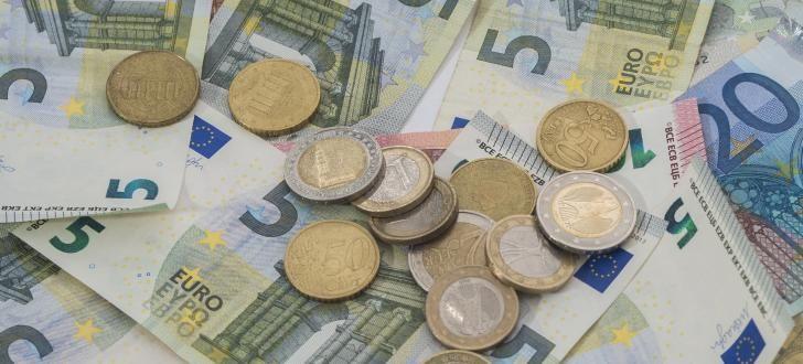 Bevorstehende Agenda der EU: das Bargeld in Europa abschaffen, während es in den USA sogar 10.000 Dollar-Scheine gibt. Foto: Fotograf-Pulsnitz / pixabay.com