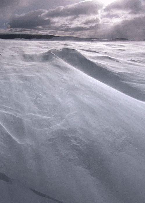 Landscapes - gif - Valentine / GifMovie - http://gifmovie.tumblr.com/post/21489940564/barren-ice-desert