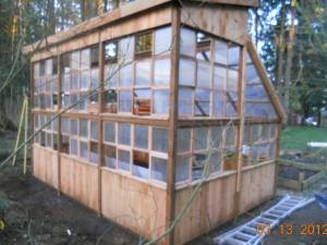 Wind damaged Greenhouse !    Get a new one ?     http://green-greenhouses.com/2012/02/03/greenhouse-wind-damage/