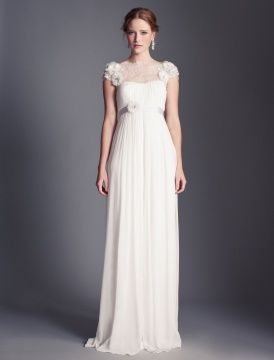 Wedding dress styles for large busts