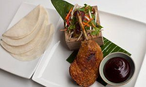 Crispy duck with pancakes and hoi sin sauce