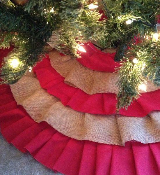 Click Pic - 30 Christmas Tree Decorating Ideas - Ruffled Burlap Tree Skirt - DIY Christmas Decorations