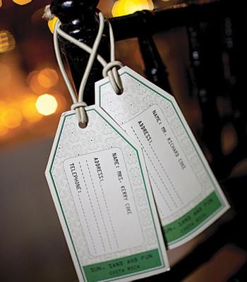luggage tag place cards perfect for destination weddings