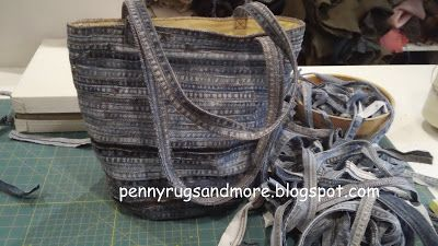 Denim bag tutorial from Pennyrugsandmore.blogspot.com