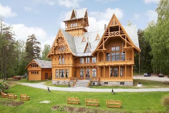 Villa Fridheim: Et av Norges største og best bevarte hus i sveitserstil