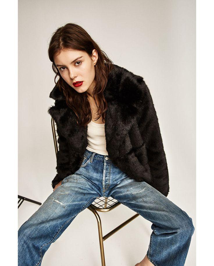 1000 id es sur le th me manteau fourrure sur pinterest doudoune femme fourrure manteau. Black Bedroom Furniture Sets. Home Design Ideas