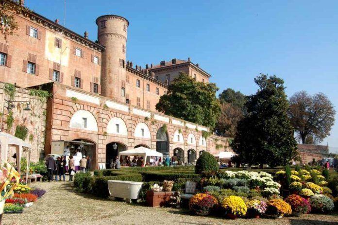 """Moncalieri accueille les 13 et 14 mai 2017 le concours """"Premio della Rosa"""", une manifestation dédiée à la Rose, la reine des fleurs !"""