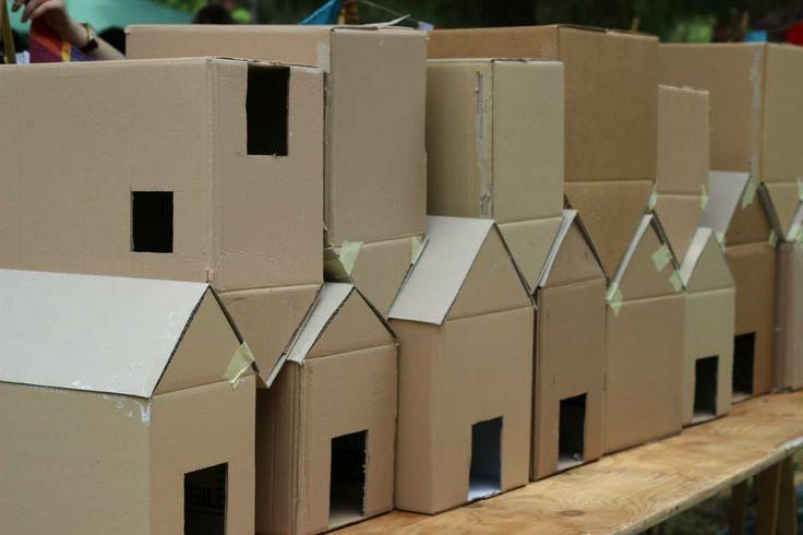Le casine son pronte per esser decorate dai nostri piccoli artisti!