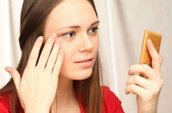 Как убрать отеки под глазами: эффективные домашние способы - http://vipmodnica.ru/kak-ubrat-oteki-pod-glazami-effektivnye-domashnie-sposoby/