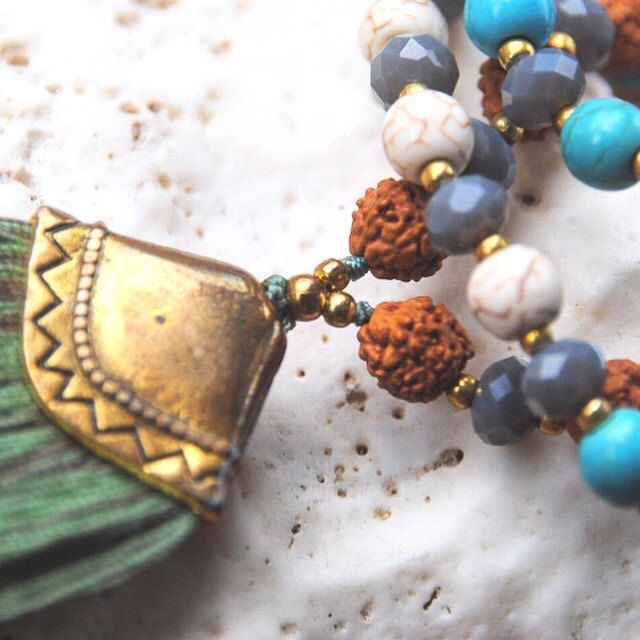Powerful boho mala combines: TURQUOISE STONE for protection, WHITE HOWLITE for awareness, and RUDRAKSHA Seed for you daily wellbeing 🙏