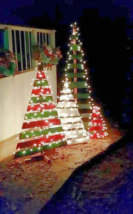 Árvores De Natal Lindas E Difees Light Decorations Outdoor Christmas Decorating With