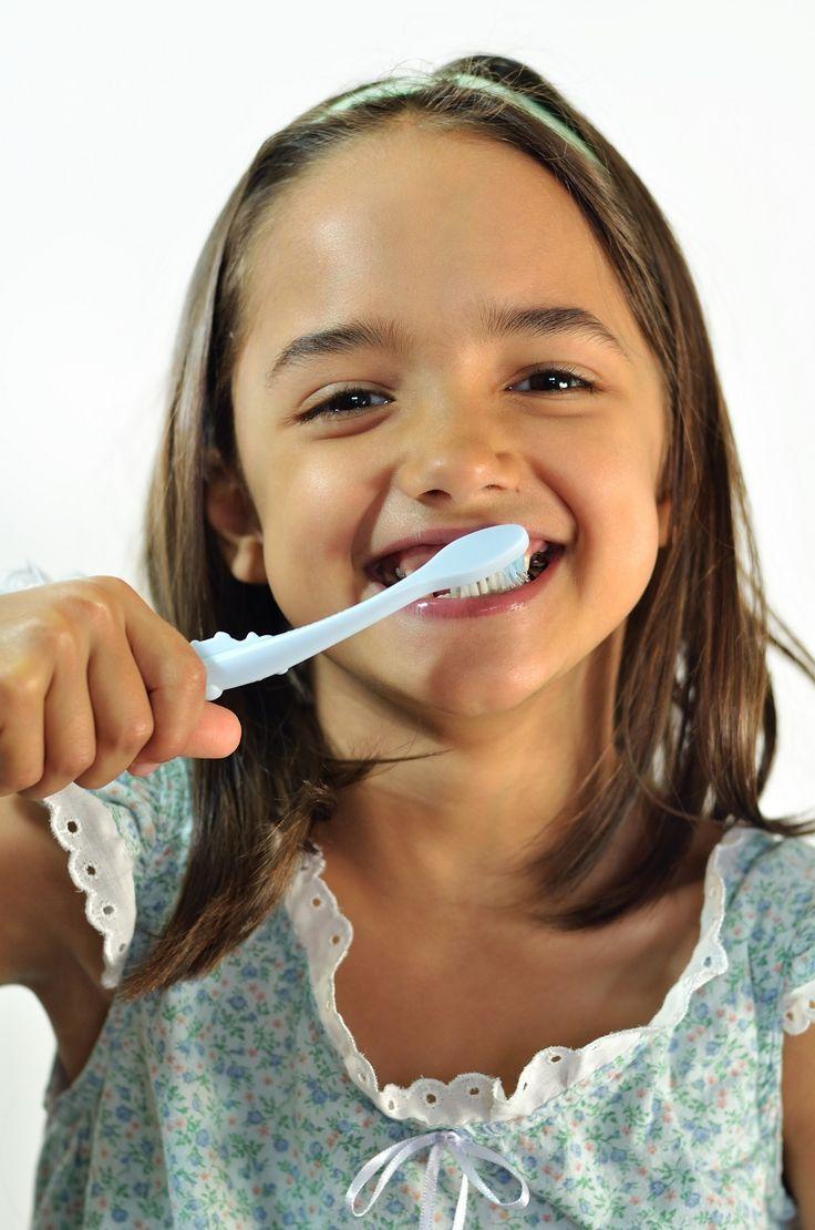 El dentista infantil ofrece tratamientos preventivos a los niños