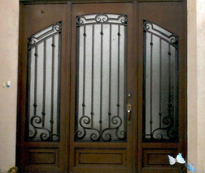 42 best puertas de hierro images on pinterest iron doors for Puertas de madera con herreria