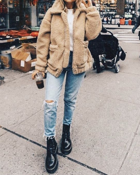 sherpa jacket, distressed boyfriend jeans, black l…