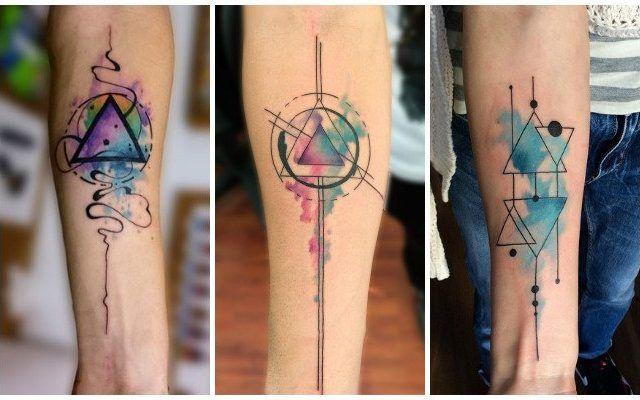 Tatuajes de triángulos, su significado (real) y los mejores diseños | Tatuaje de triangulo, Tatuajes vikingos, Tatuaje de flecha en el brazo