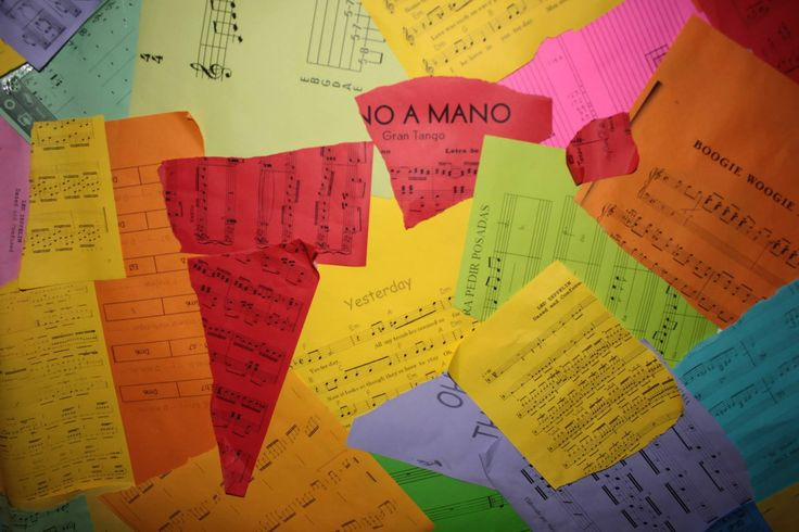 Instalación sonora.Collage de partituras de colores (Detalle).