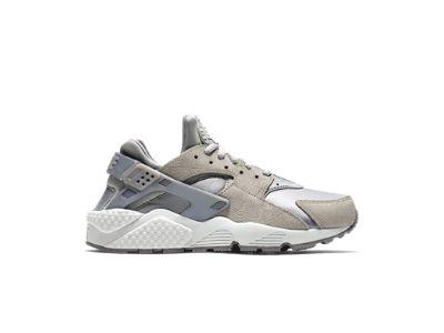Nike Air Huarache Premium Suede Women's Shoe
