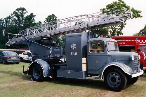 Austin K4 NFS Turntable Ladder ★。☆。JpM ENTERTAINMENT ☆。★。  I found one of these in Amlwch.  Lovely.