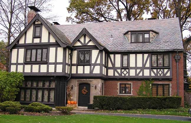tudor exterior paint colors | exterior in a tudor look tudor homes typically have a white or beige ...