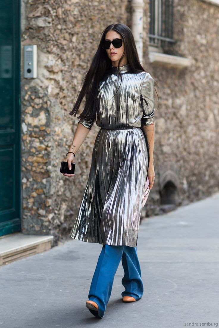 because that dress is amazing. #GildaAmbrosio in Paris.