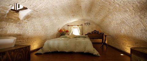 Puglia ékszeres ládikója - a trullo hagymaházak!,  #ékszeres.ládikó #fehér #hagymaház #ház #kő #nyaralás #Olaszország #otthon24 #Puglia #Trulli #turizmus #utazás, http://www.otthon24.hu/puglia-ekszeres-ladikoja-a-trullo-hagymahazak/ Olvasd el http://www.otthon24.hu/puglia-ekszeres-ladikoja-a-trullo-hagymahazak/