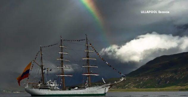 ARC Gloria, engalanado por el arco iris.