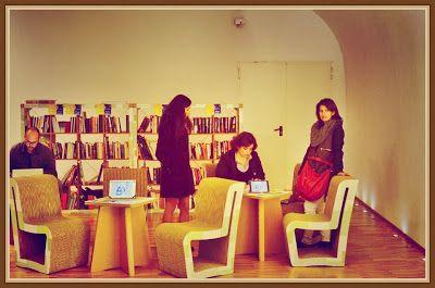 WRITERS VS READERS ~ Reader's Bench
