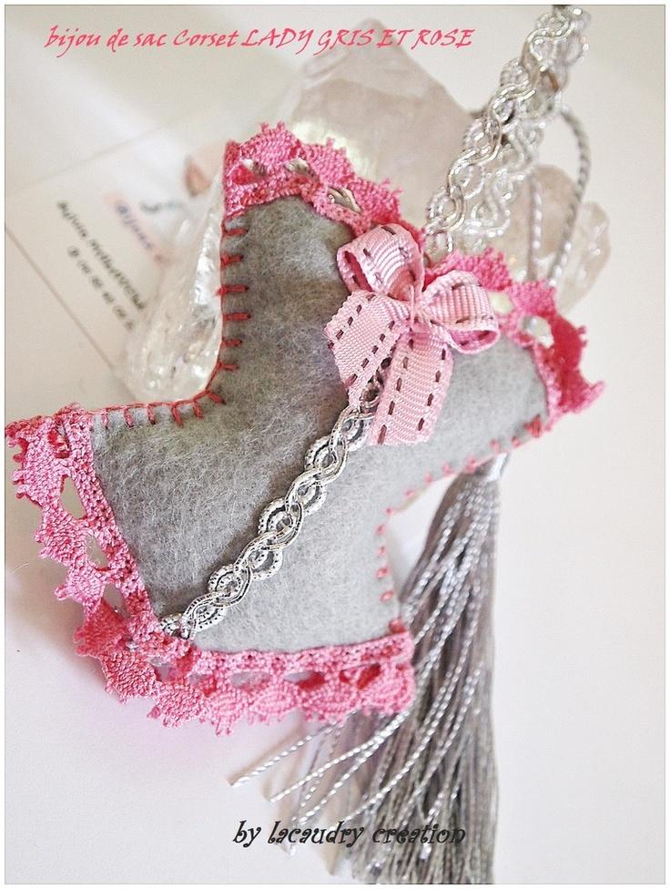 Bijoux de sac et accessoires Collection Corset - Lacaudry-Création