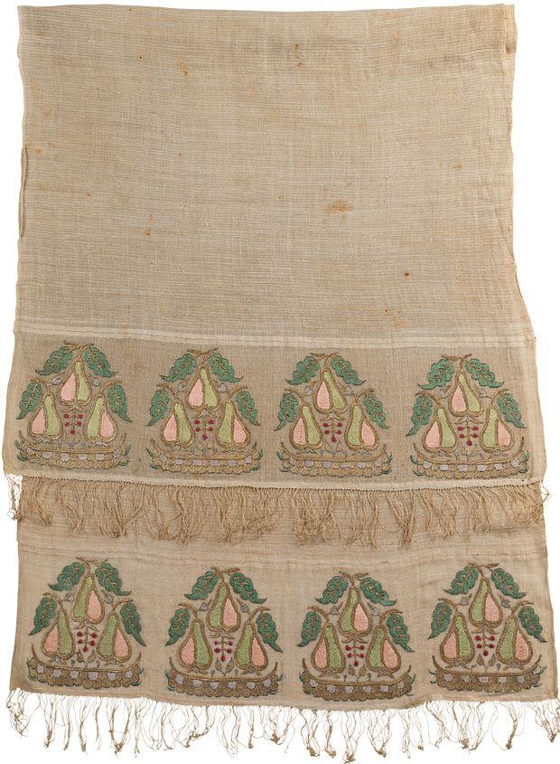 Hand towel. Ottoman, late 18th century, Plain linen weave with silk embroidery, pear motifs, 160 x 65 cm.Sadberk Hanım Museum.