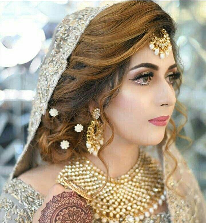 Pin By Rabia Gul On Wedding Preparati0ns Pakistani Bridal Hairstyles Pakistani Bridal Makeup Bridal Hairstyle Indian Wedding