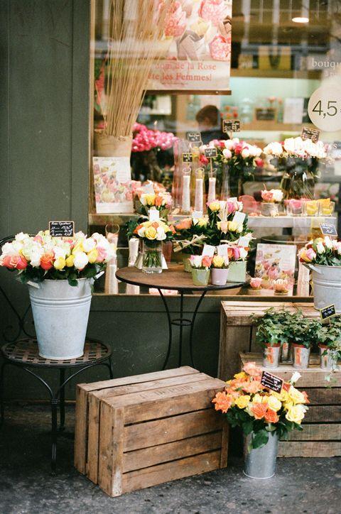 Quando você for à Paris não deixe de conhecer as lindas floriculturas que há pela região!