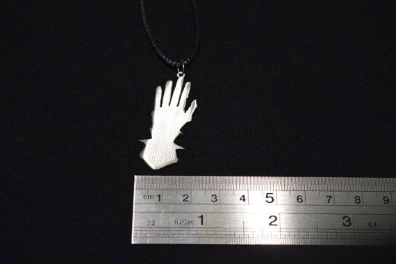 Price 1.9 $ usd. Iron Hands Pendant Stainless Steel Space от Warhammer40kShop