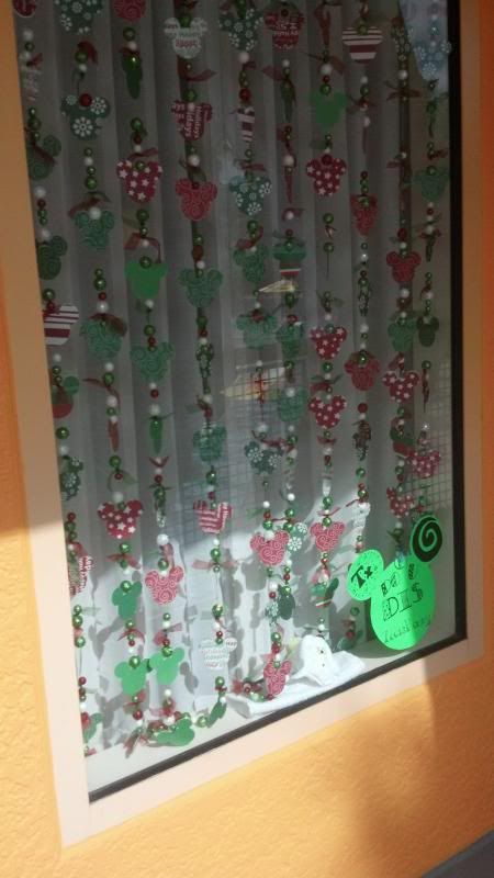 Photos of Guest Decorated Windows - Page 30 - The DIS Discussion Forums - DISboards.com