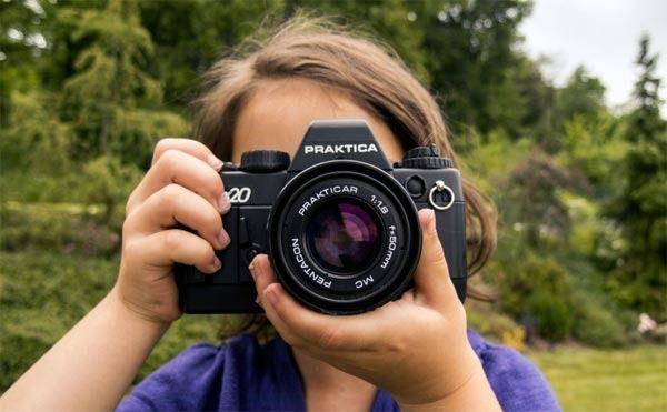 Une banque d'images en haute définition, libres de droits et gratuites [Photo of Photographing Girl by Martin Vorel]