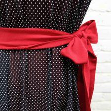 Robe ceinture Rouge noir, détail Maillagogo