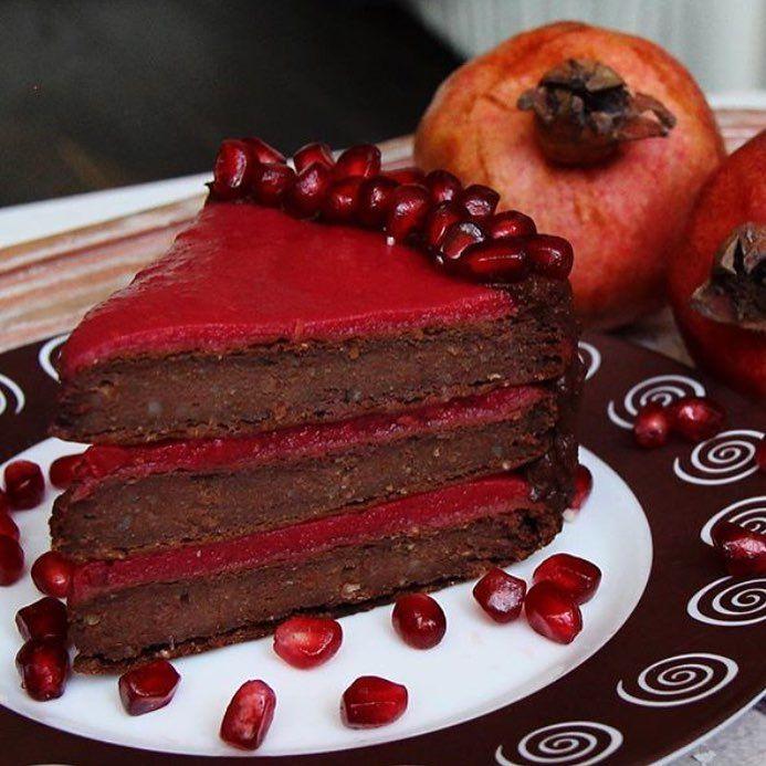 879 отметок «Нравится», 3 комментариев — 🍒Рецепты Правильное Питание🍒 (@pp_recepti_pp) в Instagram: «Вкуснейший шоколадно-ягодный тортик с гранатом🍒 Очень удачное кисловато-сладкое сочетание🍫…»
