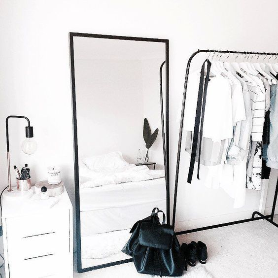 TIPS TO MAKE A SMALL BEDROOM LOOK BIGGER