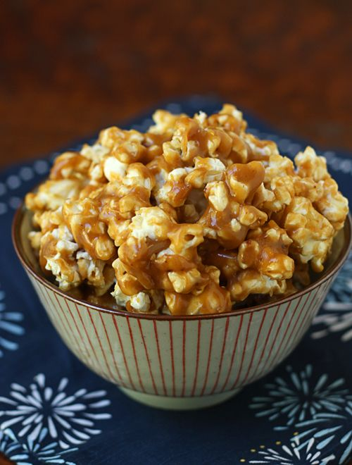 Caramel Corn with sweetened condensed milk. Yummy! I have all the ingredients except for the condensed milk. Damn!!