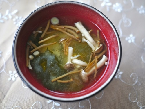 miso soup with enoki mushrooms and chilli by @Victoria Glass   Veggie ...