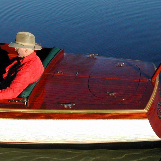 22' Phantom Electric Boat