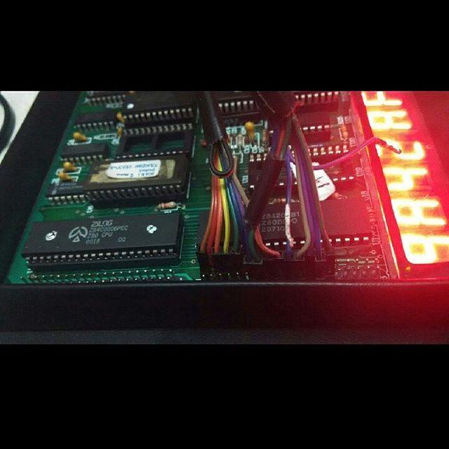 Microprofessor (MPF-1) zilog 80, adalah trainer kit untuk belajar dasar sistem mikroprosessor. pernah populer di tahun 80-an sampai sekarang pun masih digunakan oleh beberapa sekolah kejuruan dan universitas sebagai instrument belajar dasar sistem mikroprosessor, untuk dilanjutkan ke arah mikrokontroller, PLC, hingga robotika.#zilog #zilog80 #z80 #z80pio #microprocessor #microprofessor #microcontroller #intel8255 #ppi8255 #ram6116 #acer #arduino #vintagecomputer #retrocomputer #technology…