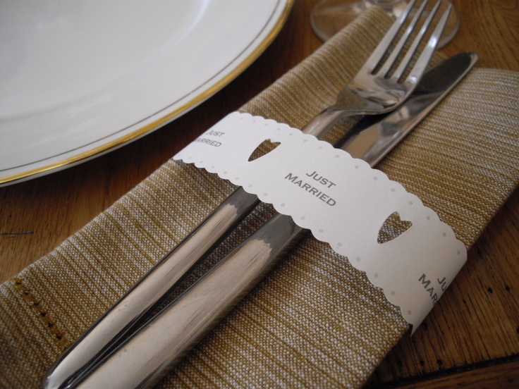 Paper chains - use them to tie round the cutlery or traditional paper chains