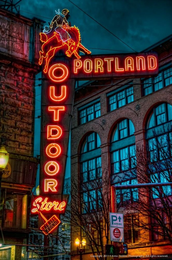The Portland Outdoor Store in downtown Portland has been there for over 70 years and has to have one of the best neon signs in the city…I can't imagine what the corner of SW 3rd & Oak would look like without it there.