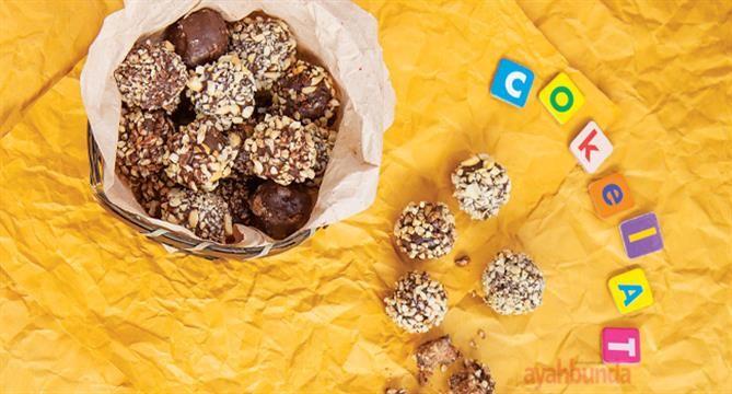 Cokelat dikenal sebagai makanan yang istimewa. Berikan bola-bola cokelat kacang dan ciptakan momen istimewa bersama balita Anda.