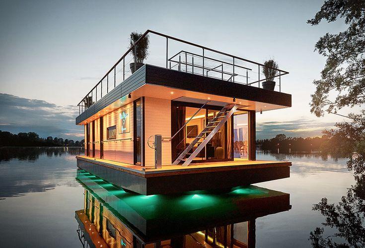 Rev Houseboat   Image